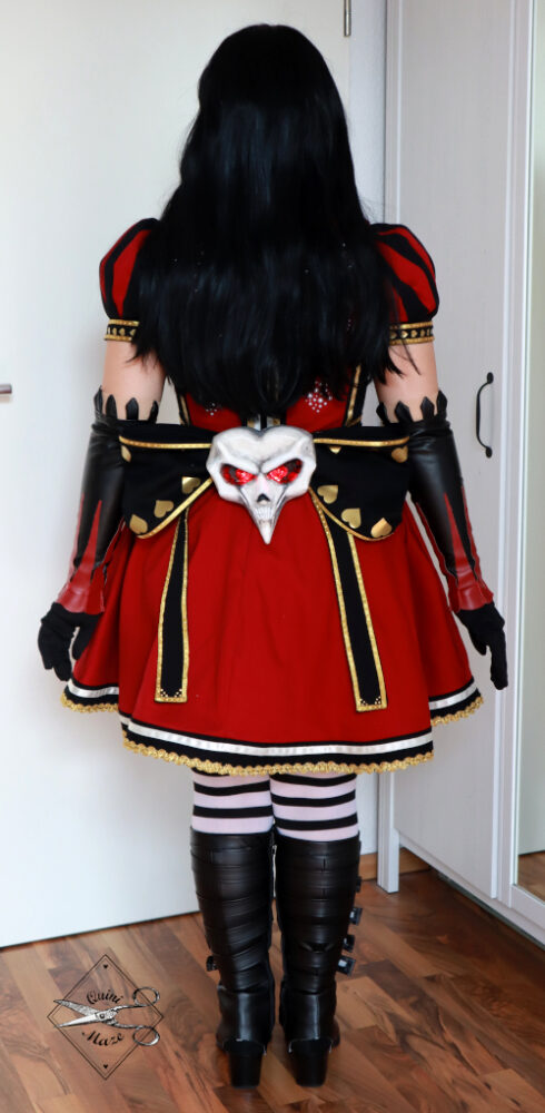 alicemadnessreturns-cosplay-royalsuit02